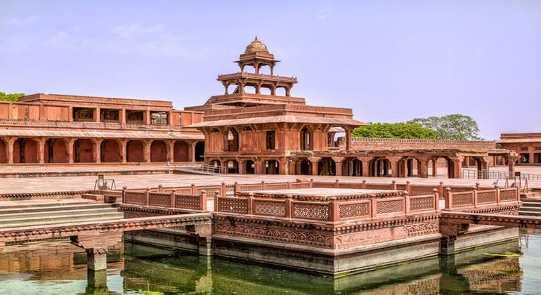 Panch-Mahal-in-Fatehpur-Sikri