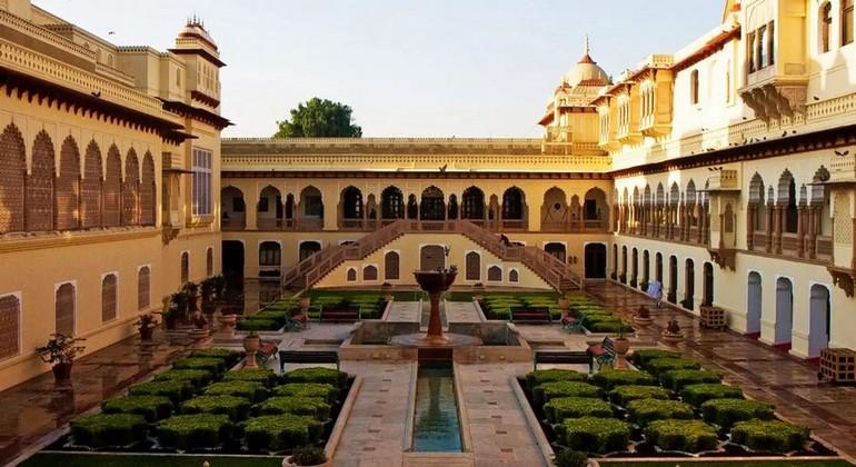 palacesofjaipur-Garrett_Ziegler-flickr.jpg